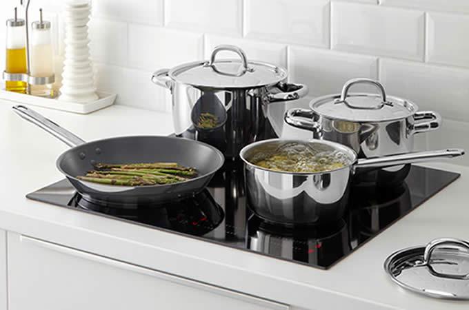 Scopri Piani Cottura Smeg Induzione in Cucina