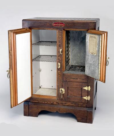 Risultati immagini per frigorifero legno ghiacciaia
