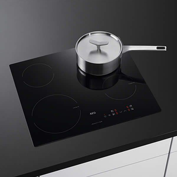 Piano Cottura Induzione AEG HK604200IB 60cm In Cucina