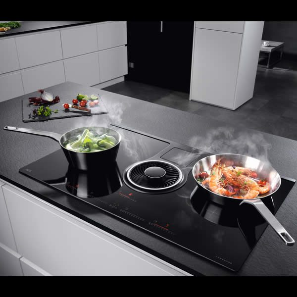 Piano Integrato Induzione AEG IDK84451IB con Cappa 83cm In Cucina