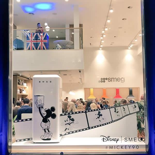 Fab28 Mickey Mouse - Un Topolino In Cucina Smeg Londra