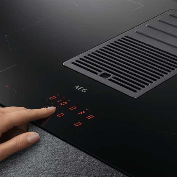 Piano Cottura ComboHob Aeg Cappa Integrata IDE84244IB 83 cm Comandi Touch